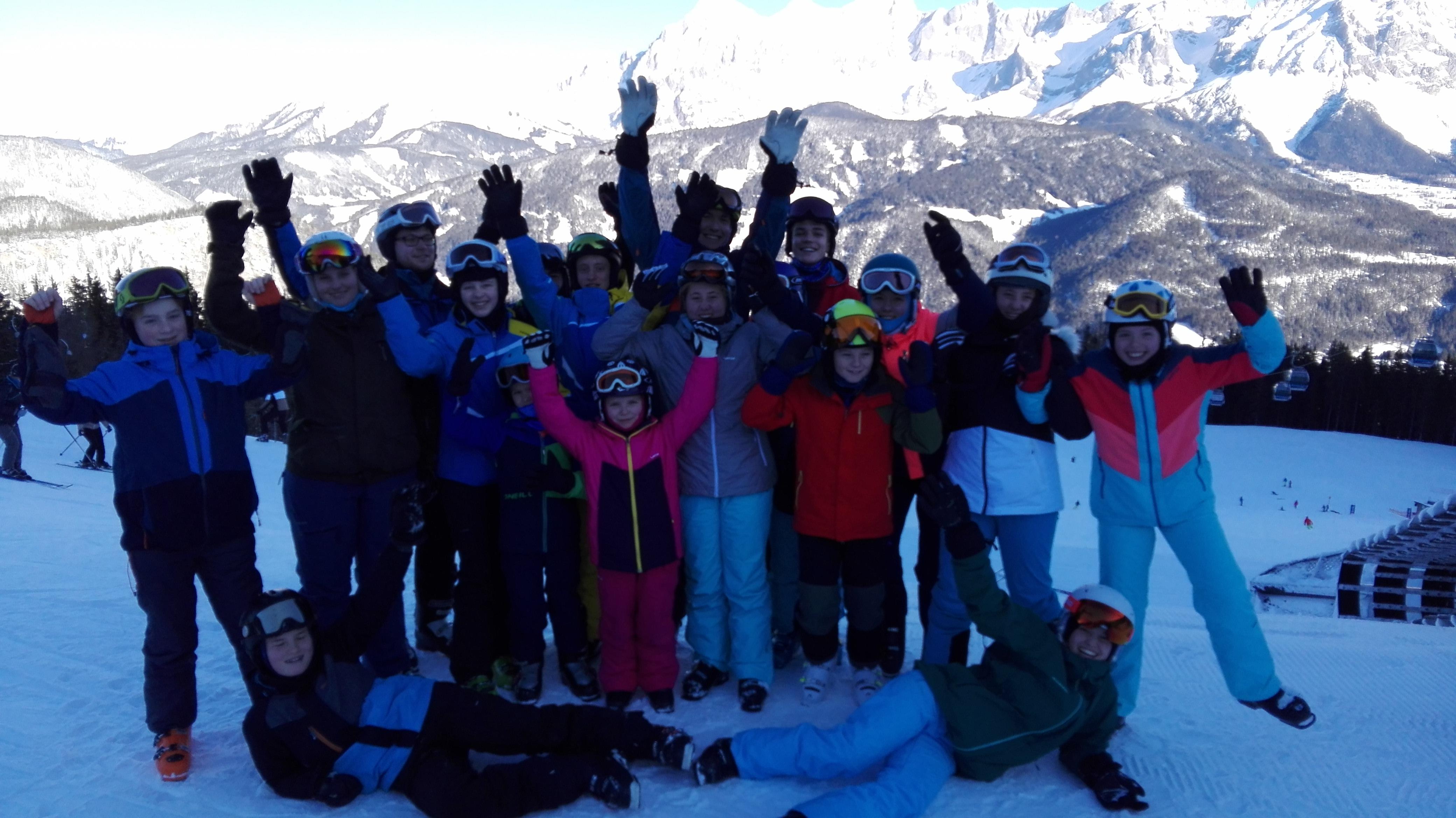 43_Skischule_Gruppe_aktiv
